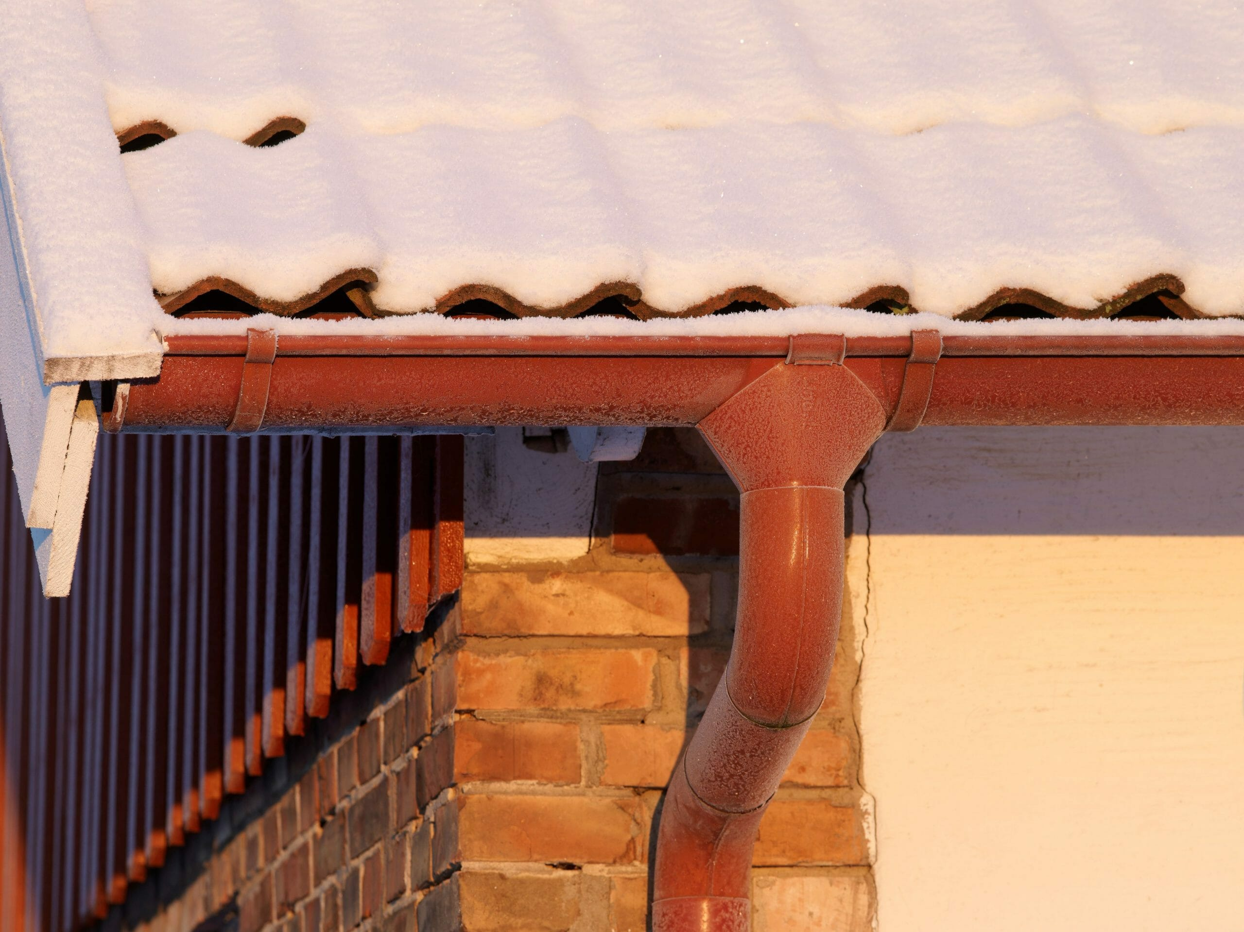 Tile Red Lindab Gutter 5